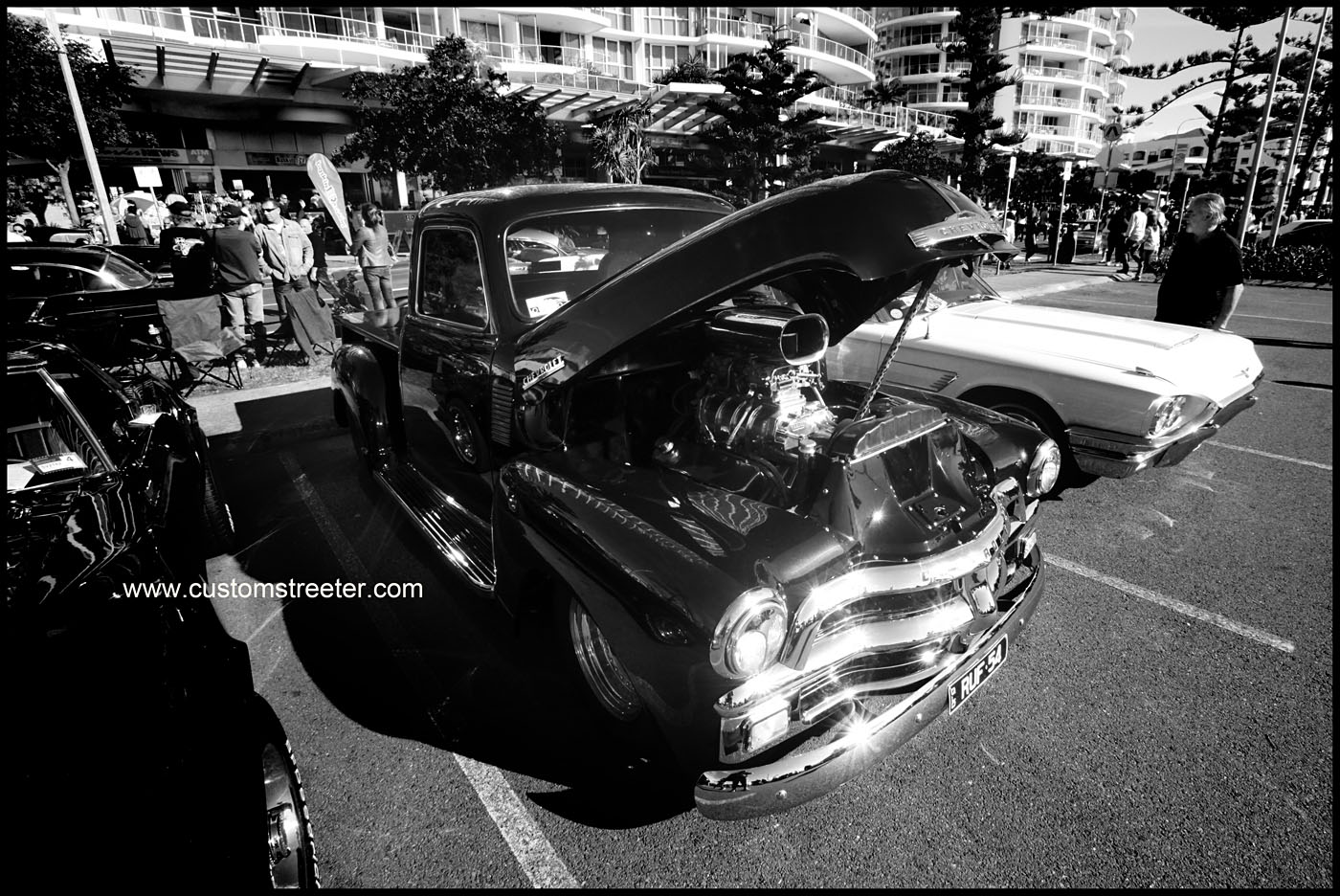 Cooly Rocks On, Gold Coast Australia Hot Rod show - Chevrolet pickup truck